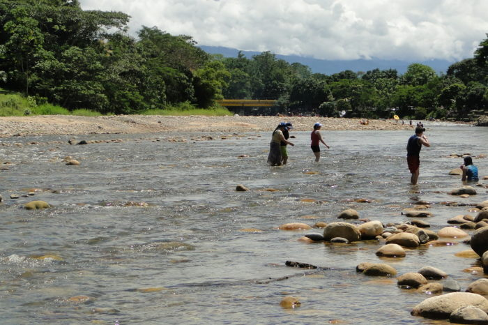 Paseo de olla en el río Humadea, Meta